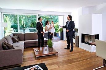 Immobilienbesichtigung mit Immobilienmakler Christian Petry